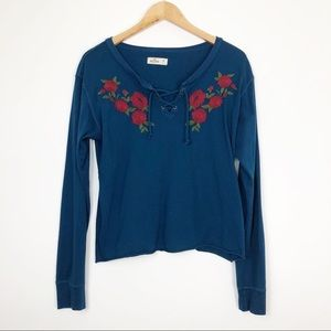 Hollister | Embroidered Long Sleeve Top